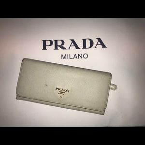Authenti prada saffiano leather-long wallet clutch